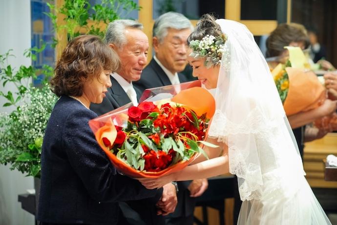 花束贈呈大好きな両親にありがとうの溢れる想いを