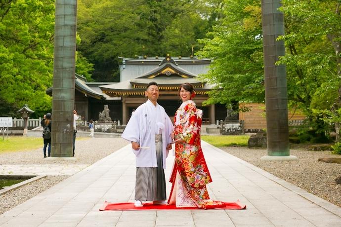 伝統ある神社にて結婚式