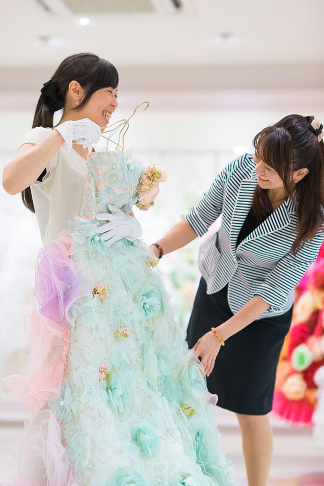 かわいくてオシャレなウエディングドレス!!あなたに似合う衣裳もプロ目線でチョイスします。お世辞は申しあげません(笑)